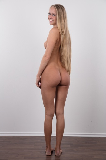 Preview Czech Casting - Somebody's about to get in troubles! Stepanka, a lovely amateur with long blonde hair came to our studio. This girl from a good family has always been faithful to her boyfriend. But she still showed us her amazing body and how it looks covered in oil. But then she shocked...