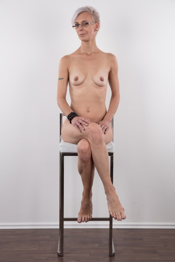 Preview Czech Casting - The slim MILF Martina lives two very different lives. During the week, she is an elegant, customer oriented receptionist in an administrative building, during the weekends, she films perverted porn. The likable amateur loves all the bizarre sex kinks you don't even talk about. You better listen to her interview...