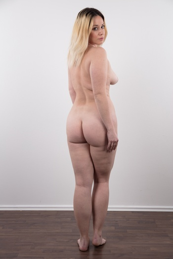 Preview Czech Casting - Veronika is a hot piece of ass. Blonde with a lovely face, natural tits and plus size body. She works as a director's assistant, has no man and enjoys taking selfies. Listen to her confession and enjoy her oily solo. This girl has style and her tits are a natural...