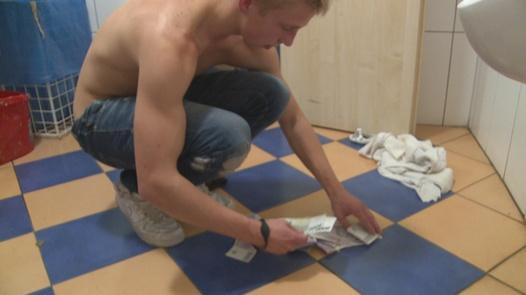 Busty model in bathrooms | Czech Couples 11
