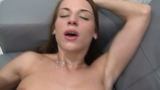 Beauty squirts all over everything | Czech Estrogenolit 9
