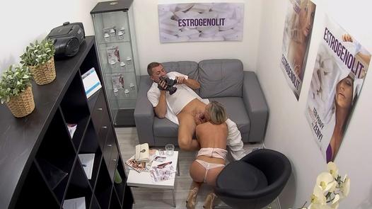 Massive squirt | Czech Estrogenolit 16