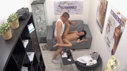 Squirting beauty | Czech Estrogenolit 18