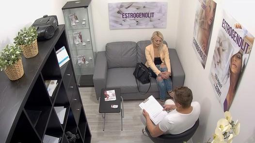 Blonde has multiple squirts | Czech Estrogenolit 19