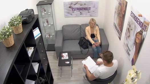 Blonde has multiple squirts | Czech Estrogenolit 19