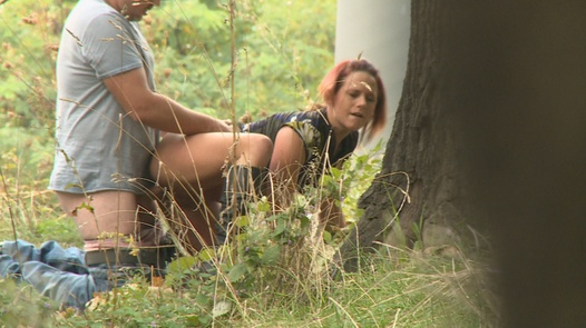 Tereza fucks a guy in a park | Czech Experiment 1