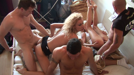 Home orgy with horny beauties