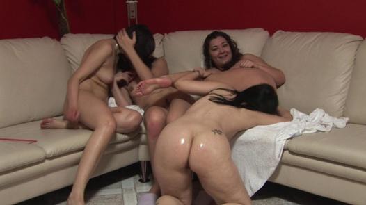 Big pussy gathering (2)