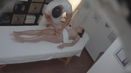 Brunette gets the massage of her dreams