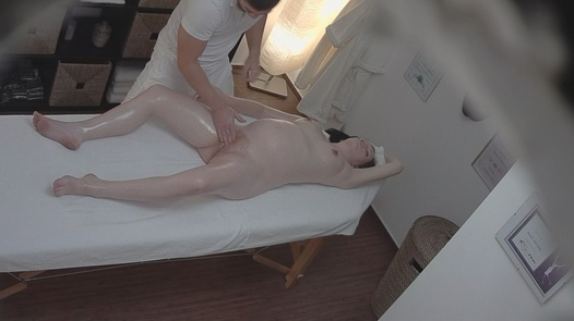 Pregnant girl fucked by the masseuse