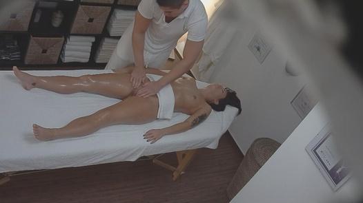 Erotická masáž na přání