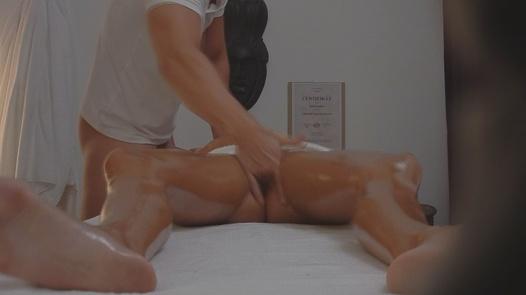 Model fucks the masseuse   Czech Massage 27