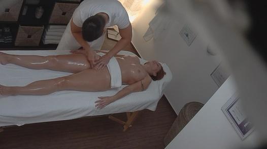 Ginger MILF gets an erotic massage