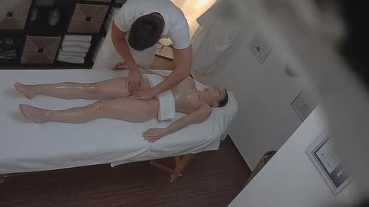 Teen fucks the masseuse