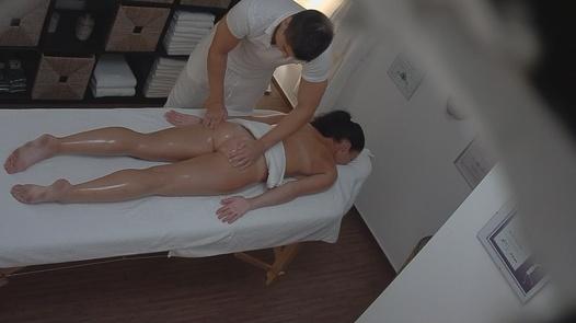 Brunette loves the massage 2
