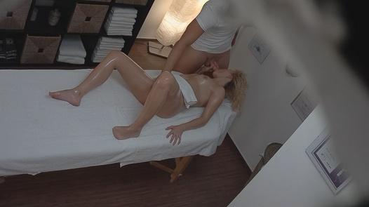 Horny blonde fucks the masseuse