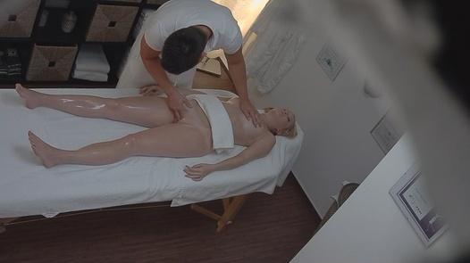 18 Jahre auf eine Massage