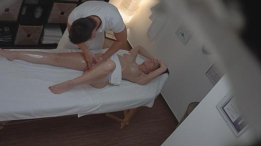 Sweet MILF fucks the masseuse