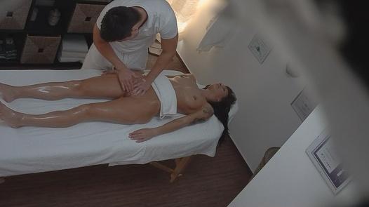 Model fucks the masseuse 4