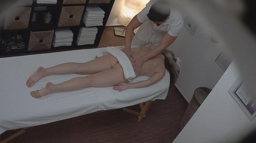 Titten Massagesalon Große Bangkoks Massagesalons