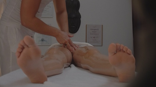 Blonde gets fingered during a massage | Czech Massage 85