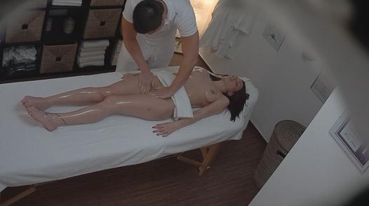 Redhead gets a massage