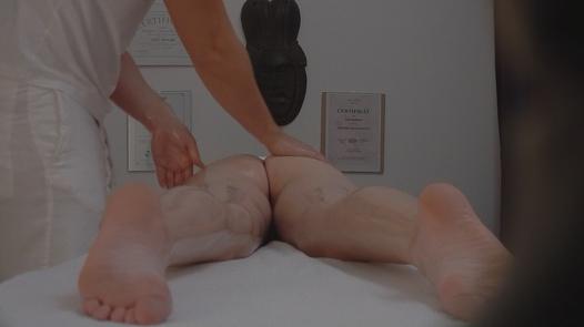 MILF enjoys an anal massage | Czech Massage 96
