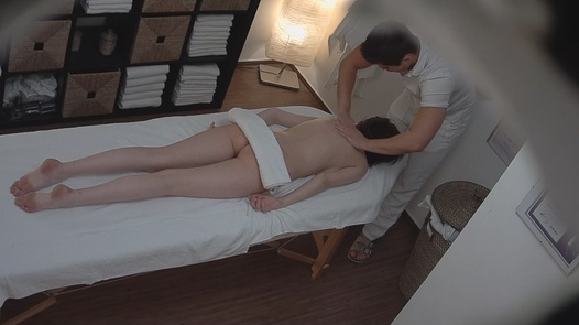 Model enjoys the happy ending massage | Czech Massage 108