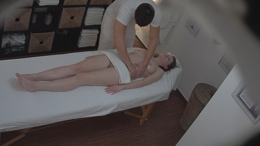 18 y/o came for a massage | Czech Massage 113