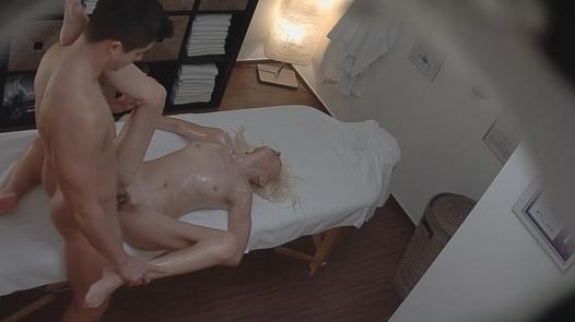 MILF fucks on the massage