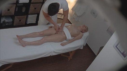 Young blonde fingered during the massage