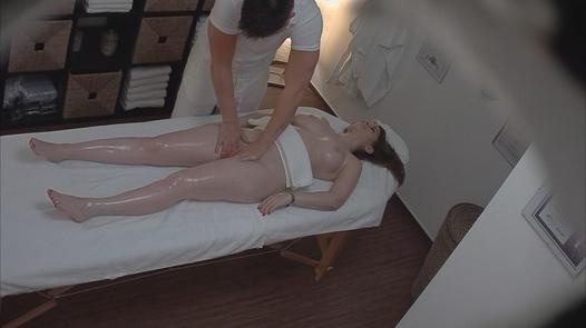 Brunette came for a massage 5