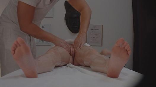 Brunette gets fingered during the massage 2