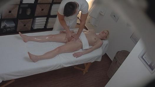 Blonde gets her pussy massaged 2