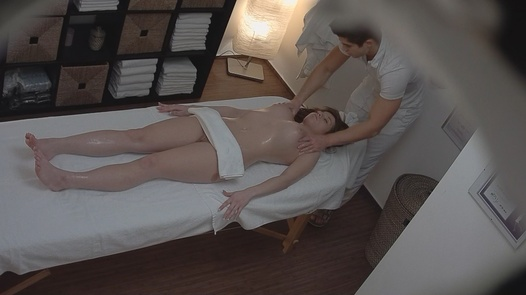 Brunette came for a massage 6