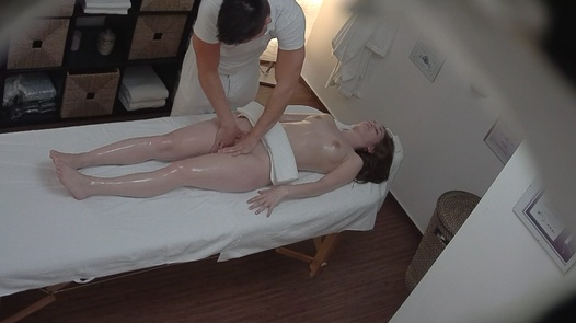 Brunette came for a massage 7