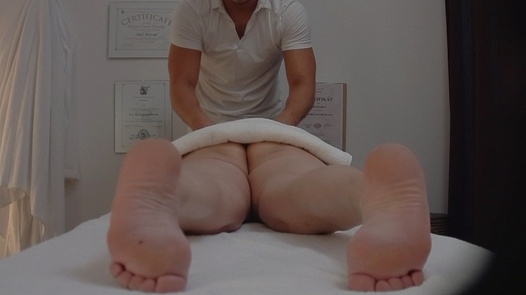 Hairy MILF came for an erotic massage | Czech Massage 195