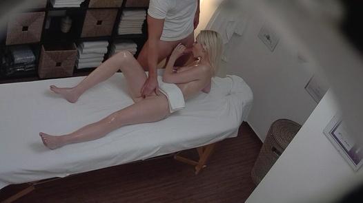Blonde beauty blows the masseuse | Czech Massage 204