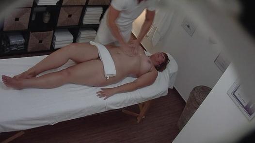 Husky busty on an erotic massage