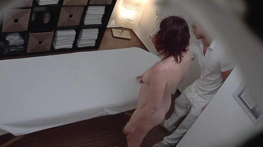 Married lady jerks the masseuse off | Czech Massage 239