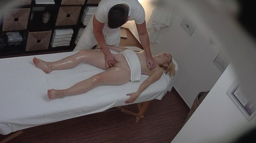 Blonde gets her pussy massaged 3