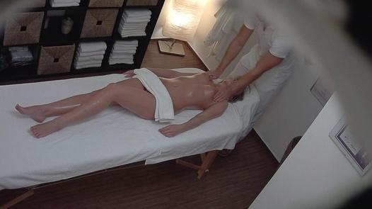 Beautiful model fucks the masseuse   Czech Massage 248