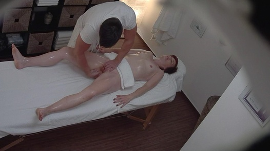 Hairy MILF fingered during a massage
