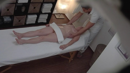 Hairy lady came for an erotic massage