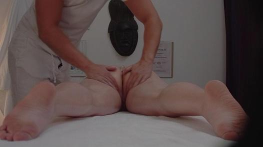 Blonde blows the masseuse 3   Czech Massage 292