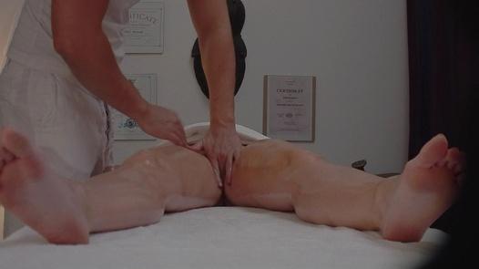 Busty MILF gets her pussy massaged | Czech Massage 308
