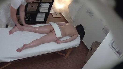 Brunette gets the massage of her dreams 8 | Czech Massage 313