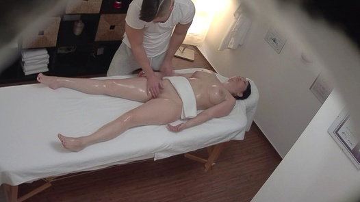 Busty Asian came for an erotic massage