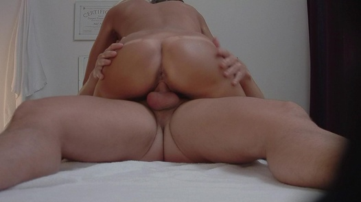 Blonde beauty fucks the masseuse | Czech Massage 318