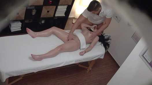 18 y/o gets the massage of her dreams | Czech Massage 320